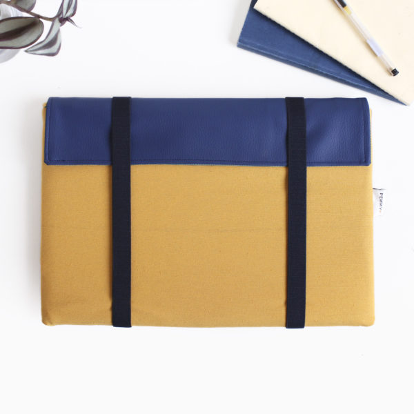 laptop sleeve yellow blue